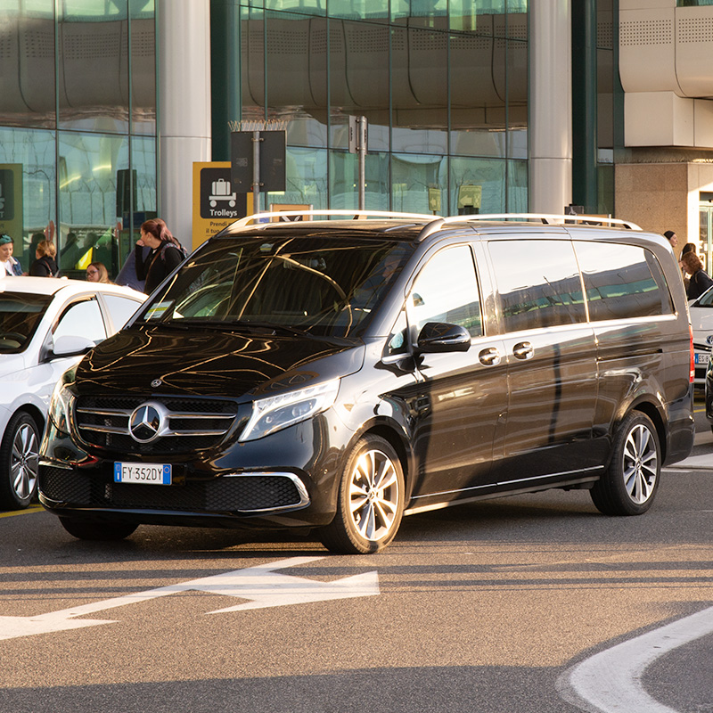 Autre alternative pour votre transfert aéroport : les taxis privés