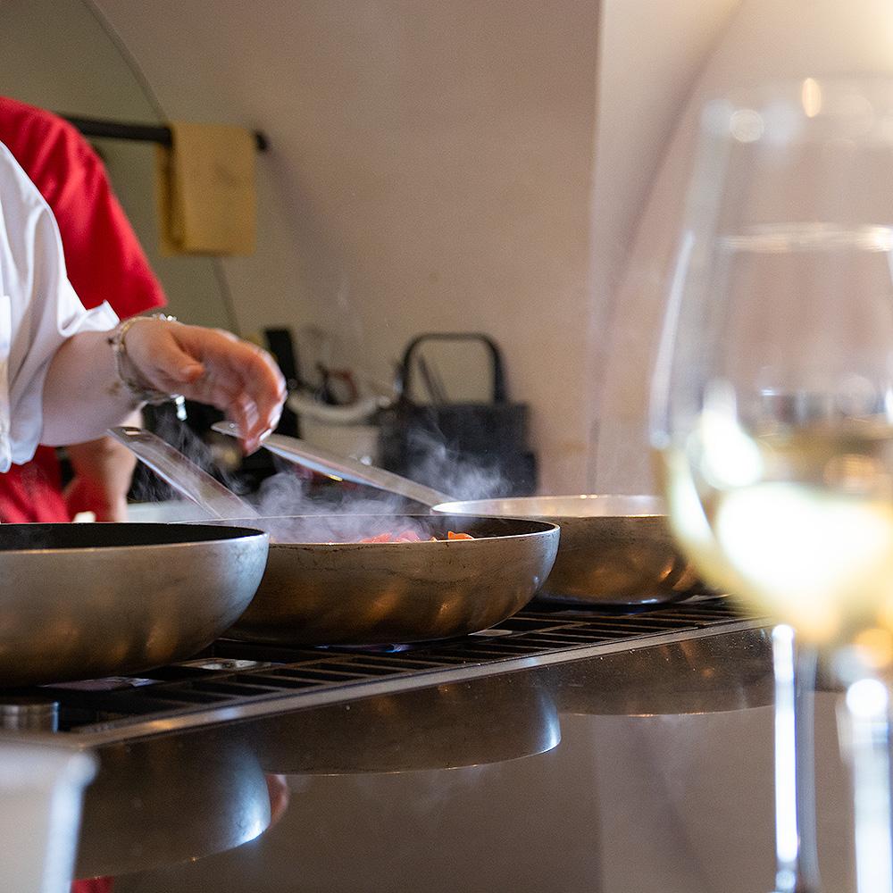 Pour votre cours de cuisine, vous profiterez d'un matériel de professionnel