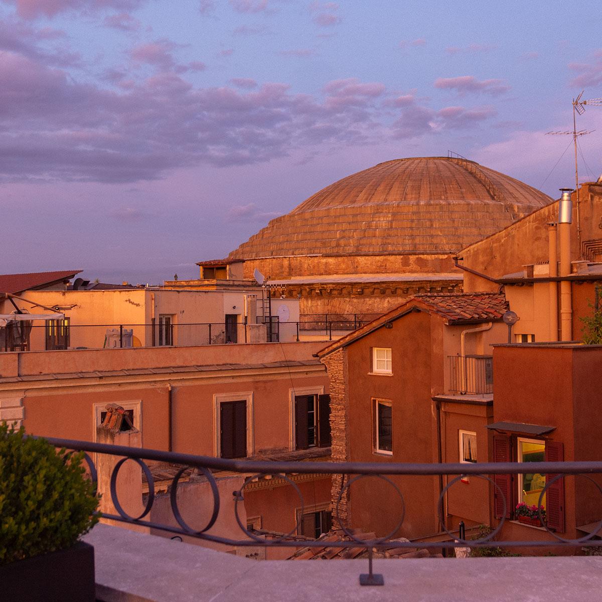 Panthéon, sur les toits de Rome