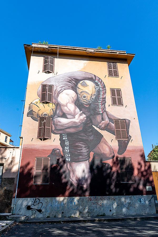 Street Art à Rome : JAZ (ARG) - LE POIDS DE L'HISTOIRE